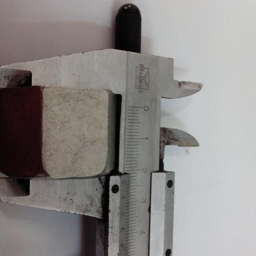 美制螺纹卡套接头的构成